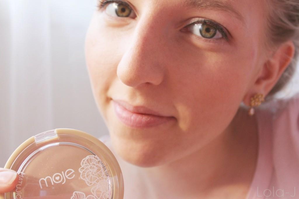 kosmetika MOJE, česká kosmetika, pudr, kompaktní pudr, matující, cosmetics, balíček, recenze, blogger life, blog, blonde, girl, pudr, oční stíny, tvářenka, tužka, řasenka, novinky