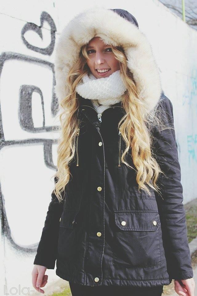 lola-j, black and white, b n white, černá, bílá, zimní bunda, kožich, světlé dlouhé vlasy, rovné, vlnité, blond, curly, wavy, straight, long,czech blogger, česká blogerka, blonde, girl, teenager, fashion, lifestyle, cosmetics, beauty, parka, pimkie, dark, coat, winter, 2015, faux fur, white, light, outfit, boots, shoes, style, love, world, peace, colorful, calm, kapuce, hood, cape, smile, laugh, teeth, tooth, úsměv, smích, zuby