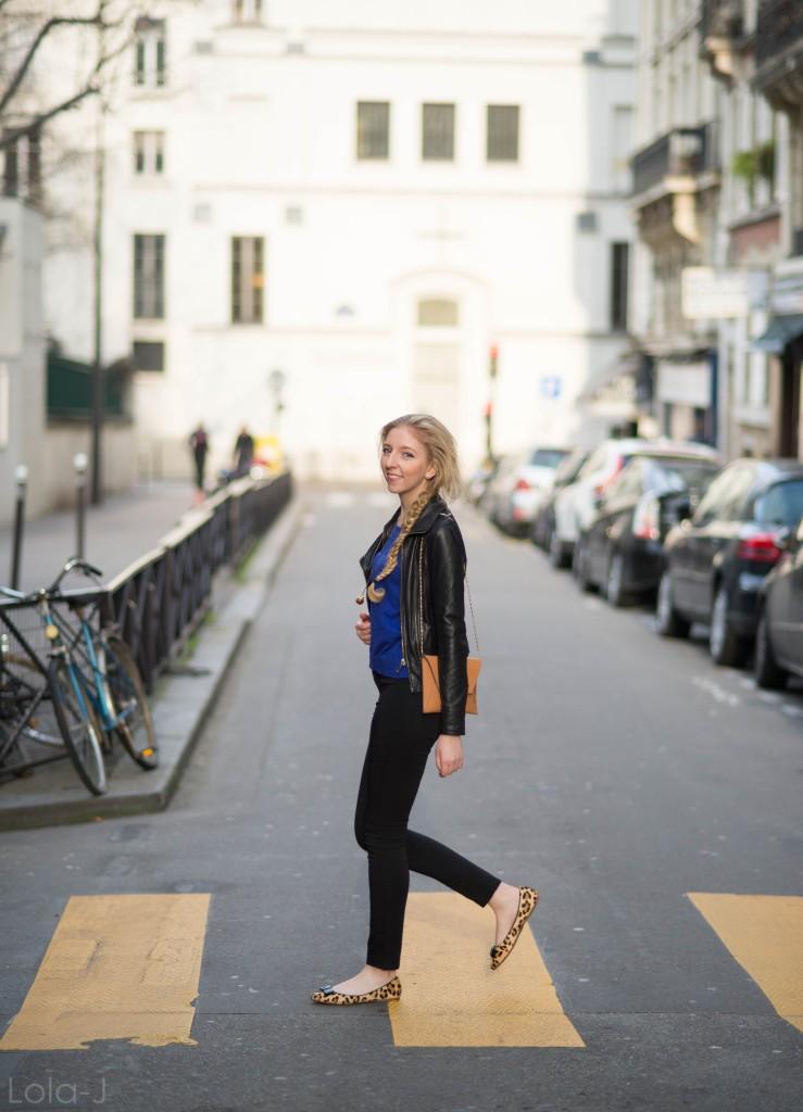 lola-j, czech blog, blogger, girl, teenager, český blog, blogerka, bloggerka, blonde, hair, vlasy, fish tail, rybí cop, paris, paříž, photo shooting, focení, fashion, móda, outfit, ootd, outfit of the day, spring, inspiration, jaro, inspirace, long, curly, wavy, straight, dlouhé, rovné, vlnité, kudrnaté, baleríny, balerina, flats, leopardí, leopard, pattern, motiv, vzor, atelier mercadal, černé kalhoty, black trousers, ZARA women, woman, young lady, classy, classic, modré triko, dlouhé rukávy, blue shirt, long sleves, victoria's secret, leather jacket, kožená bunda, křivák, černý, tmavě modrá, kabelka, clutch, oranžová, orange, beige, béžová, Max Mara, label, značka, company, accesories, doplňky, des accesoires, řetízek, collier, necklace, pendent, chain, chainlet, boule, kulička, skleněná, glass, mystery, záhadná, trend, 2015, tips, natural blonde, earrings, náušnice, melon, meloun, fresh, good vibes, sunny, sunshine, photograph, fotograf, professional, street, ulice, zebra, přechod, yellow, kolo, bicycle, vintage