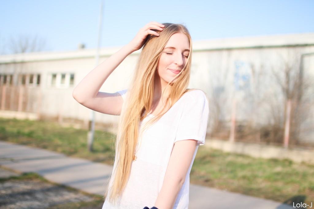 lola-j, czech blog, blogger, girl, teenager, young lady, woman, long blonde hair, natural, high school, life, style, fashion, beauty, cosmetics, trends, tricks, tips, ootd, outfit, dnesnosim, inspiration, inspo, ideas, fresh, cool, smile, happy, happiness, photo shooting, professional, česká blogerka, módní blog, kosmetika, krása, životní styl, tipy, triky, rady, dagens outfit, dnešní outfit, today's, inspirace, nápady, jaro, spring, 2016, školní, střední škola, blond dlouhé vlasy, přírodní, úsměv, radost, štěstí, tumblr, good vibe, dobrá nálada, optimismus, sunshine, slunce