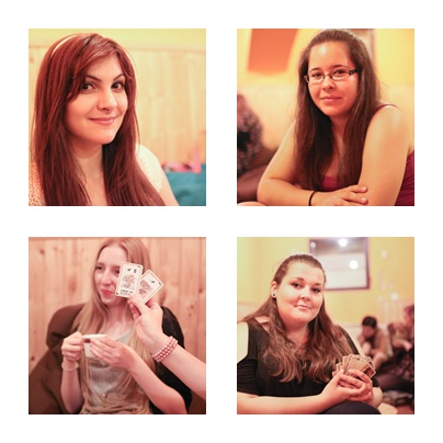 lola-j, czech blogger, česká blogerka, český blog, fashion, móda, food, jídlo, lifestyle, životní styl, beauty, krása, cosmetics, kosmetika, picknick, piknik, pique nique, potes, amies, friends, blonde, brunettes, park, photo, green grass, lunch, oběd, snack, svačina, inspiration, inspo, teenager, high school, afternoon, střední škola, odpoledne, inspirace, volný čas, free time, happy, smile, šťastné úsměvy, girls, women, young ladies, red lipstick, guru, červená rtěnka, long hair, dlouhé vlasy, friendship, kamarádství, přátelství, čajovna, tea room, collage, koláž