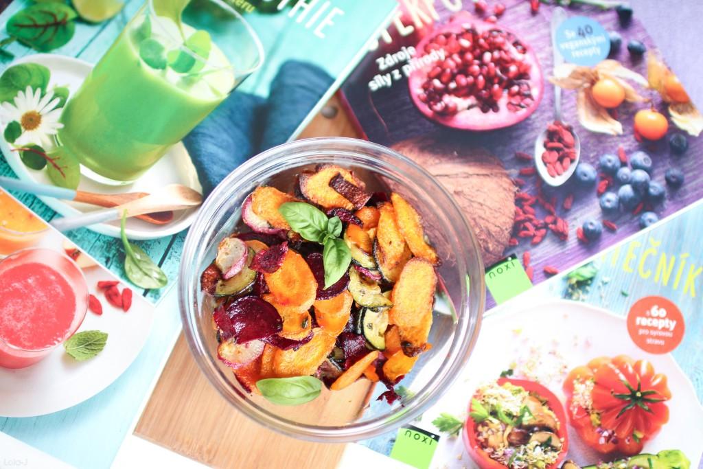 lola-j, czech blog, food, fashion, beauty, cosmetics, lifestyle blogger, jídlo, móda, krása, kosmetika, česká blogerka, recepty, recipe, veggies, vegetable, zelenina, návod, tip, zdravé, healthy, chipsy, mrkev, carrot, chips, řepa, ředkvičky, cuketa, koření, olivový olej, diy, home made, vlastní výroba, nekupované, domácí, noxi, inspiration, books, inspo, spolupráce, cooperation, business inquiries, propagace, zkušenosti, rady