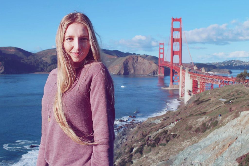 lola-j, usa, travelling, travel blog, post, california, san francisco, golden gate, red bridge, famous place, movies, spot, long blonde hair, winter, sunny, sunshine, tumblr, faded photo effect, san francisko, zlatá brána, červený most, kalifornie, fashion bloggerka, lifestyle, životní styl, móda, cestování, zima, motivational, motivační článek, article