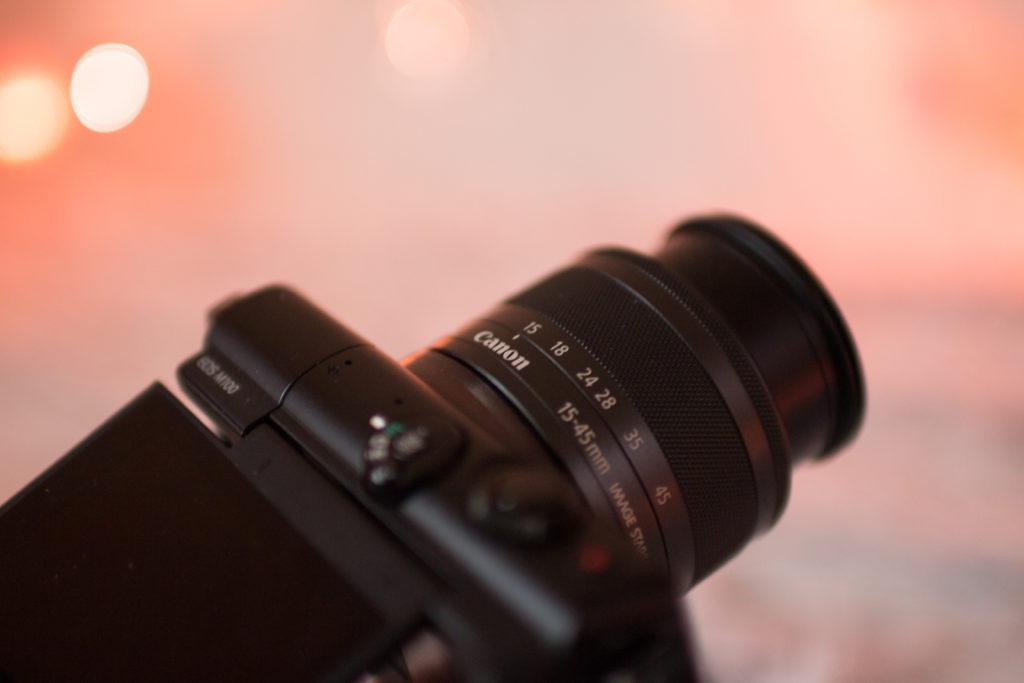 canon m100 lola-j recenze blogerka srovnani kompakt s vymennym objektivem bezzrcadlovka, vyměnitelný objektiv, česká bloggerka, vloger, vlogging camera, influencer, for socials, sociální sítě, instagram, lights