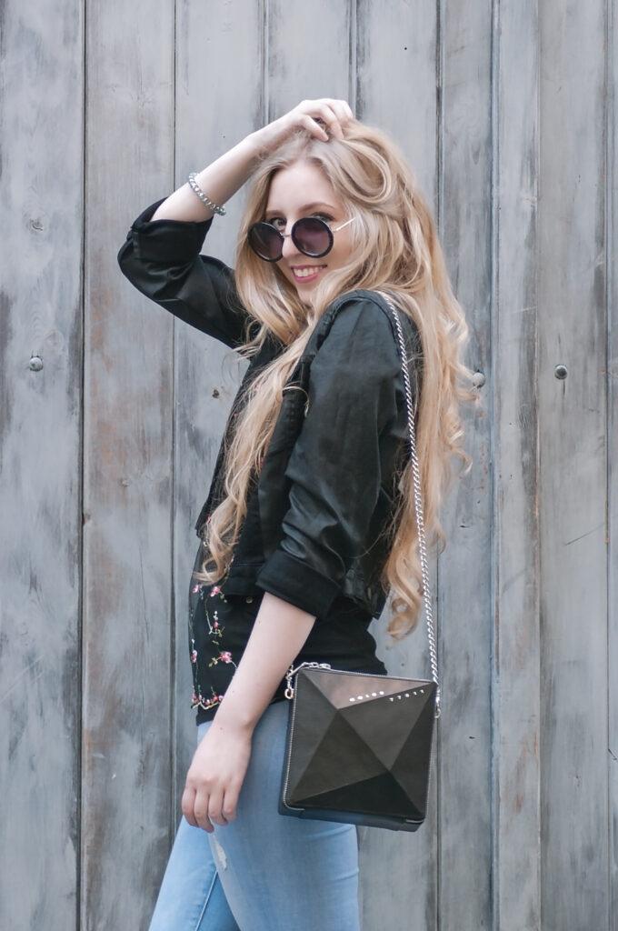 noire fashion, outfit, ootd, dnesnosim, star jacket, collection by vendula šulanová, the code of fashion, social media community, fashion bloggers, módní blog, blonde hair, contrast, all black everything, spring outfit, jarní outfit, inspo