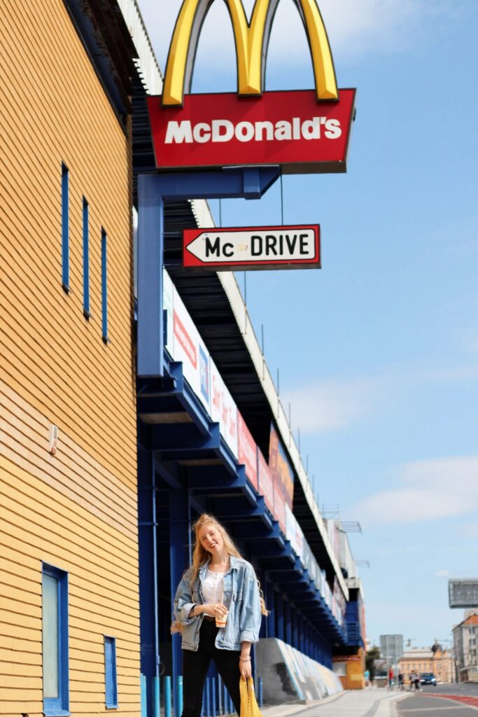 McDonalds yellow blue red theme czcech blogger lola-j mc drive praha prague mc sign